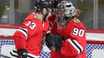 scott-foster-accountant-makes-nhl-debut-in-goal-for-chicago-blackhawks